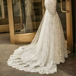 Dresses - The beautiful lace applique wedding or prom gown